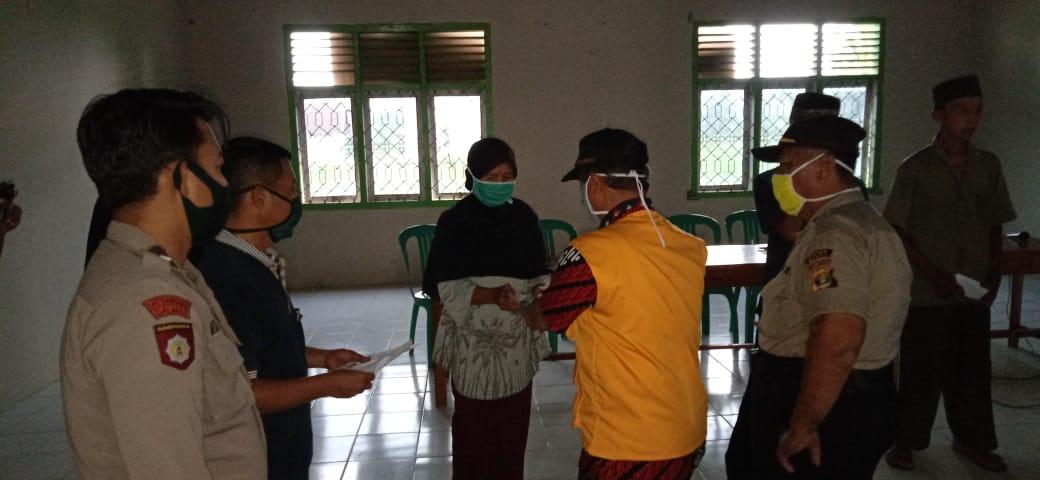 Desa Buko poso Kecamatan Way Serdang  Kabupaten Mesuji Serahkan BLT-DD Tahap I Untuk 109 Warga